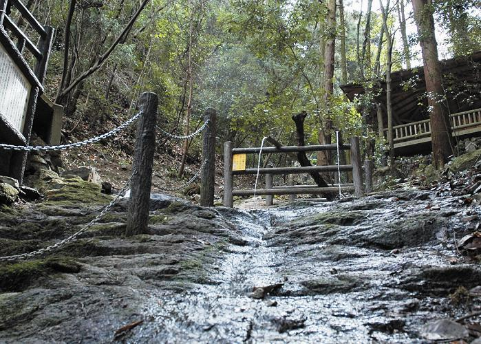 桂の滝(かつらのたき)
